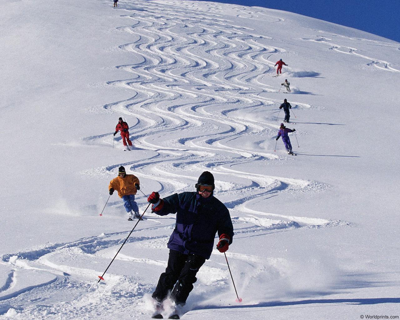 первые спуски на горных лыжах